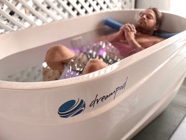 ice bath for recovery therapy in dreampod in Byron bay and South Golden Beach